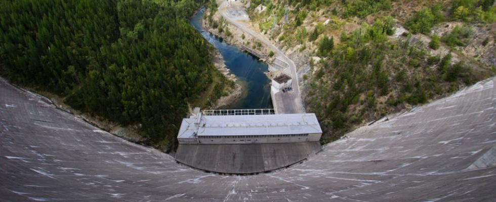Oroville Sues State Over Dam Crisis   California City News
