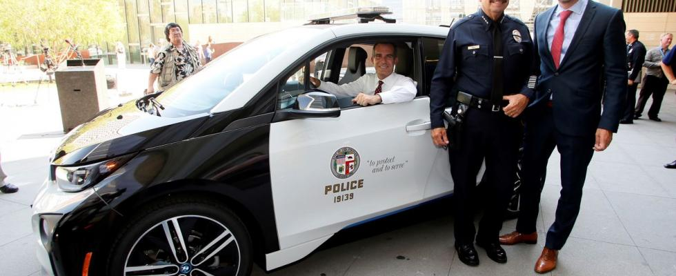 Los Angeles Police Department Borrows Tesla And Bmw Electric